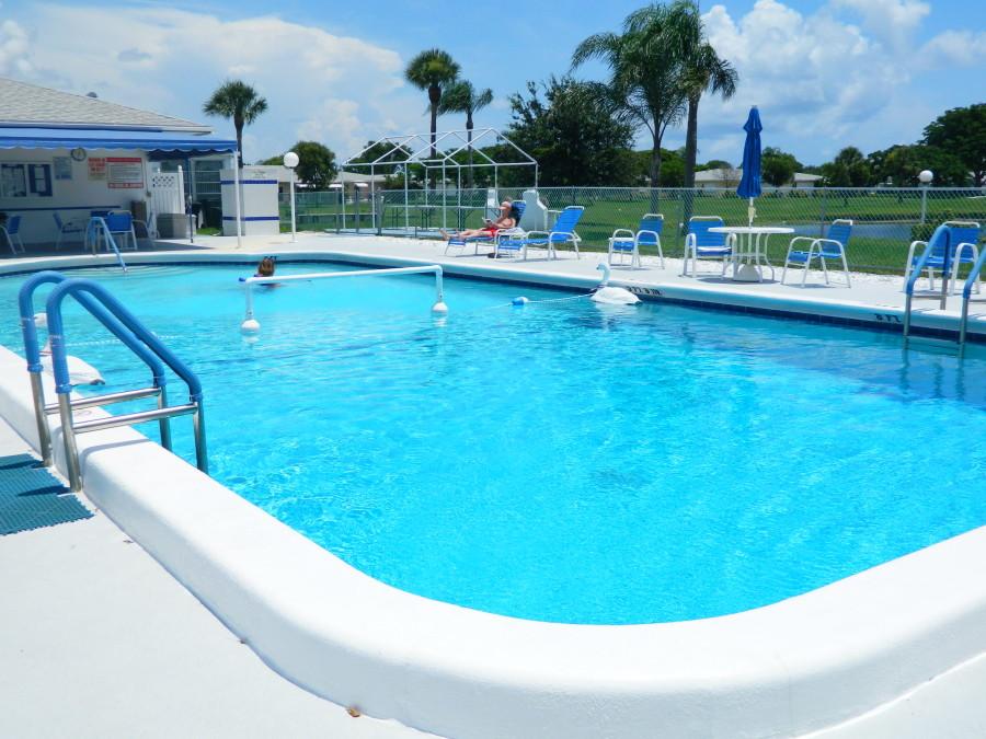 High Point of Delray Beach 1 Condominium Warm Swimming Pool